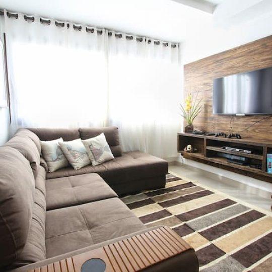 painel de tv em madeira
